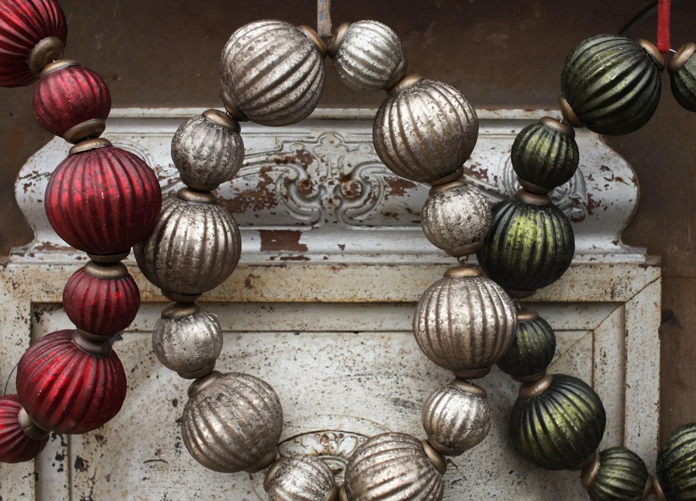 Hani Bauble Wreath - Antique Red